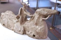 Ausstellung »Weiß« — Skulptur vorne: Hansjürgen Vogel